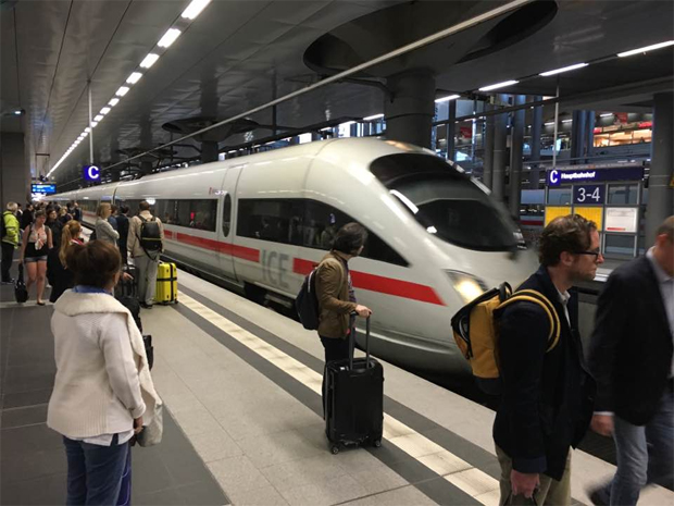 how to get from munich to salzburg by train